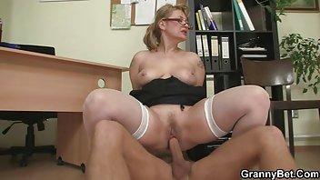 Тощая Зрелая Дама С Вкусной Кисей И Большими Сисями - Смотреть Порно Онлайн